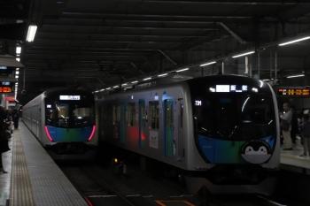 2019年3月30日。所沢。S-Trainのすれ違い。40103Fの403レ(右)と40101Fの404レ。