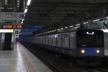 2019年3月31日 5時30分ころ。所沢。通過する20106Fの上り回送列車。