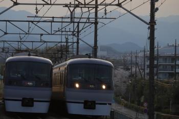 2019年4月13日。仏子〜元加治。27レと10109Fの38レ(右)のすれ違い。