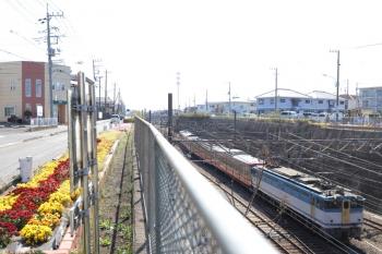 2019年4月13日 13時48分ころ。新秋津。EF65-2127に牽引されて出発する1247F。