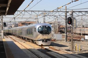 2019年4月16日 14時41分ころ。所沢。本川越方から到着する001-A編成の上り回送列車。