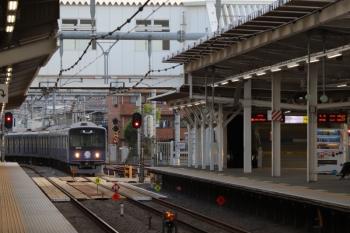 2019年4月29日 5時30分ころ。所沢。通過する20105Fの上り回送列車。