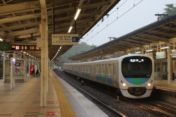 2019年5月1日。入間市駅。「令和」「令和」とうるさい「令和おじさん」と化した総理大臣みたいで嫌ではありますが、令和初の撮影は38112Fの5101レでした。