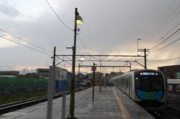 2019年5月4日。元加治。元町・中華街ゆきのS-Trainが通過。
