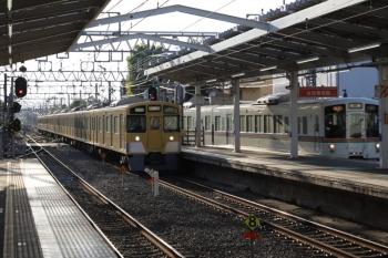 2019年5月5日。清瀬。並んで走る2513F+2503Fの上り回送列車と4003Fほかの2002レ。
