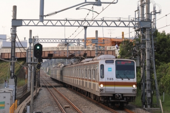 2019年5月11日。武蔵藤沢。メトロ7005Fの1718レ。