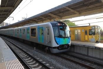 2019年5月11日 17時24分ころ。入間市。40104Fの2162レと9104Fの上り回送列車。