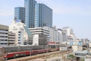 2019年5月12日 11時51分ころ。池袋。EH500-81牽引の南行コンテナ貨物列車 3086レ。