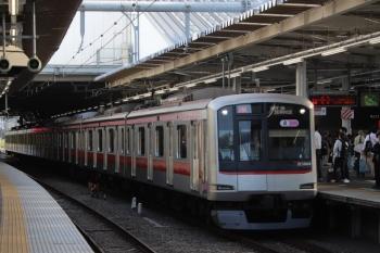 2019年5月19日 16時7分ころ。所沢。3番ホームを通過する東急5164Fの上り回送列車。午前中に1751レで飯能へ行ってた車両です。
