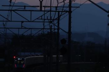 2019年5月25日 18時54分ころ。仏子〜元加治。30分ほど遅れの40101FのS-Train 403レ。