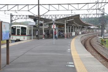 2019年6月1日。高麗。2番ホームへ到着した4017Fの下り回送列車。折り返しは飯能ゆきの臨時。