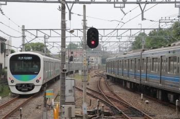 2019年6月7日。小平。38117Fの5535レ(左)。38117Fは5802レ〜5107レと走って田無から回送されて来ました。