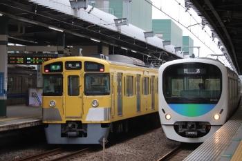2019年6月8日。練馬。2063Fの4204レ(左)と38105Fの下り回送列車。
