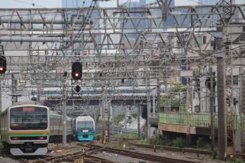 2019年6月23日 9時10分ころ。池袋。湘南新宿ラインの南行きの通過を待つ251系の回送列車。