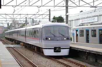 2019年7月5日。東伏見。40106Fの4301レを追い抜く10000系の103レ。