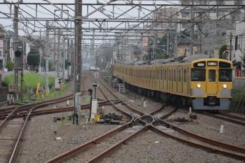 2019年7月5日 5時57分ころ。田無。通過する2057F+2453Fの上り回送列車。
