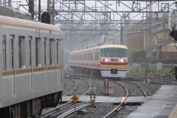 2019年7月7日 14時54分ころ。西所沢。メトロ10019Fの6534レ(左)と10105Fの19レ。