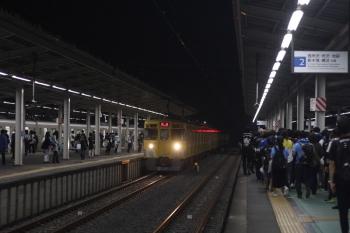 2019年7月12日 21時24分ころ。西武球場前。3番ホームへ到着する2413F+2075Fの下り回送列車。