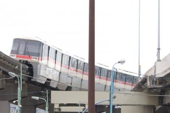 2019年7月21日 13時12分ころ。天王洲アイル。旧塗色の1000形の上り列車。