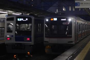 2019年8月3日。西所沢。6154Fの4154レ(左)と東急5154Fの3703レ。
