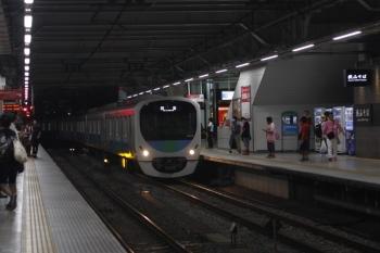2019年8月3日 20時35分ころ。飯能方から新宿線・下りの1番ホームへ到着する38108Fの下り回送列車。イベント観客輸送で新宿線から西武球場前駅へ直通した編成の戻しでしょうか。