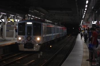 2019年8月3日 21時34分ころ。所沢。西武新宿方から4番ホームへ到着する4009Fの下り回送列車。
