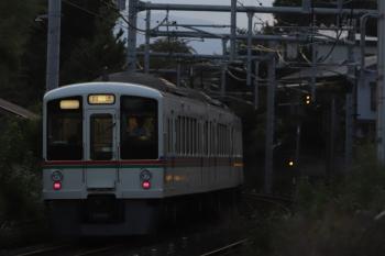 2019年8月12日 18時23分ころ。元加治〜飯能。4023Fほかの下り回送列車。
