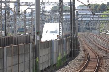 2019年8月12日。西日暮里(山手線ホーム)。2階建て新幹線と上野東京ラインと常磐線。
