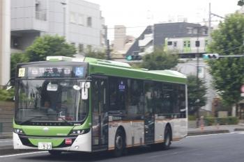 2019年8月14日 12時35分ころ。高田馬場駅近くの新目白通り。都バスの回送。