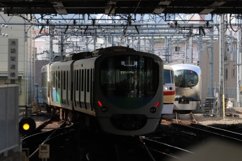 2019年8月21日 9時8分ころ。池袋。左から、38112F+32106Fの下り回送列車、10105Fの14レ、電留線に入った001-C編成。