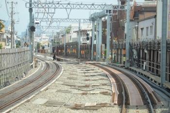 2019年8月31日。沼袋〜野方。下り線の仮線はこのカーブを曲がりきれば終了し野方駅となります。
