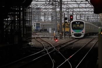 2019年8月31日 5時30分ころ。所沢。右から通過した30105Fの上り回送列車、電留線で夜間滞泊だった2069F・6158F(LAIMO)。