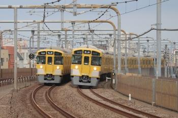 2019年9月1日。富士見台。2085Fの上り回送列車と2071Fの5206レが並走。2085Fが清瀬駅の引き上げ線で夜間滞泊してたはず。