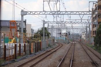 2019年9月7日。東村山〜所沢。左に分岐するのが西武園線。高架化工事の現場はこの先も200メートルほど続いています。