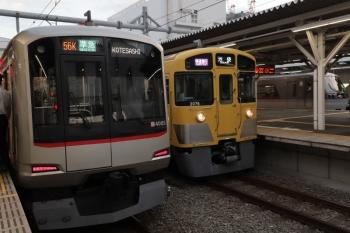 2019年9月7日。所沢。右から10000系の新宿線136レ、2075Fの1002レ、東急4105Fの4855レ。
