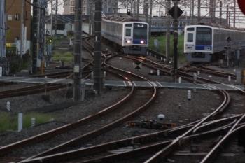 2019年9月10日 5時31分ころ。所沢。6157Fの上り回送列車(左)と電留線で帯泊の6152F。