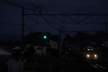 2019年9月14日。元加治。9104Fの3102レ。すっかり暗くなってしまいましたが空は少し白んでます。