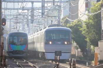 2019年9月15日。池袋〜椎名町。10000系の3レ(右)と、40105Fの2108レ。