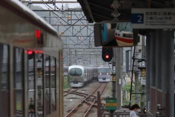2019年9月16日。横瀬。右奥から、10107Fの「むさし76号」、回送されてきた001-C編成、15レの10105F。