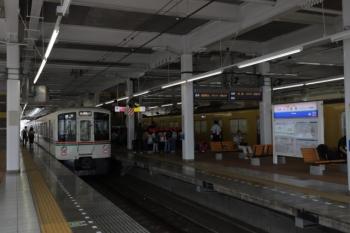 2019年9月17日。飯能。左が5036レだった4001F。高麗駅から5036レに乗車した小学生たちは、2069Fの5110レに乗車。