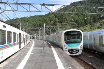 2019年9月22日。吾野。左から、4005F+4001Fの5032レ、38107Fの5027レ、001-C編成の下り回送列車。