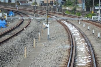 2019年9月22日。秋津〜所沢。砂利袋が道床に入った下り線。
