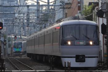 2019年9月28日。池袋〜椎名町。10109Fの3レ(右)と40101Fの2108レ(左奥)。