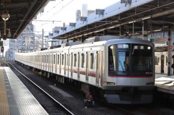 2019年10月5日。練馬。東急4105Fの4107レ。運用番号は16Kを表示。