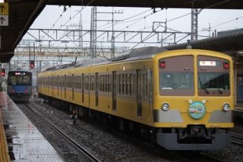 2019年10月12日。仏子。発車した20101Fの2115レと、中線で待避する1245Fの下り回送列車。