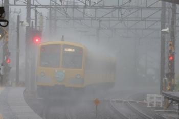 2019年10月12日 10時34分ころ。西所沢。3番ホームを通過した1245F の下り回送列車。
