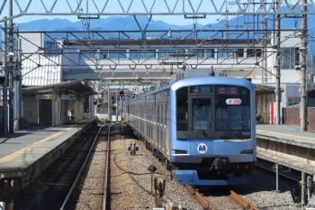 2019年10月13日。仏子。中線に停車中のY515Fの回送列車(13K運用)。