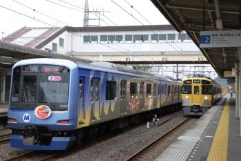 2019年10月14日。仏子。Y512Fの上り回送列車と2465F+2071Fの2111レ。
