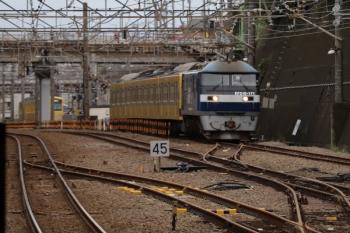 2019年10月19日 13時47分ころ。新秋津。一旦 新座貨物ターミナル駅へ向かう、発車したEF210-171+西武1245Fの貨物列車。奥には、西武線内を牽引した263fのお顔が見えます。