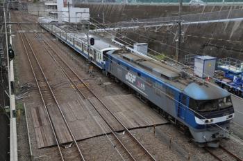 2019年10月20日 12時29分ころ。新秋津。新小平方から到着するEF210-171+1241Fの貨物列車。